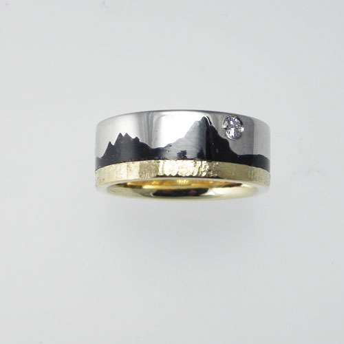 Ring_mit_Mythen_und_Brillant