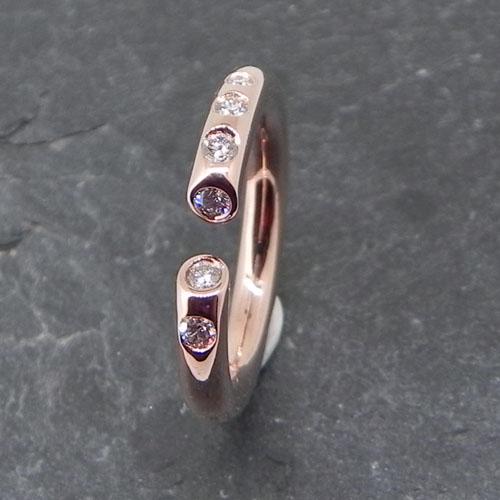 Ring aus Rotgold mit 6 Brillanten